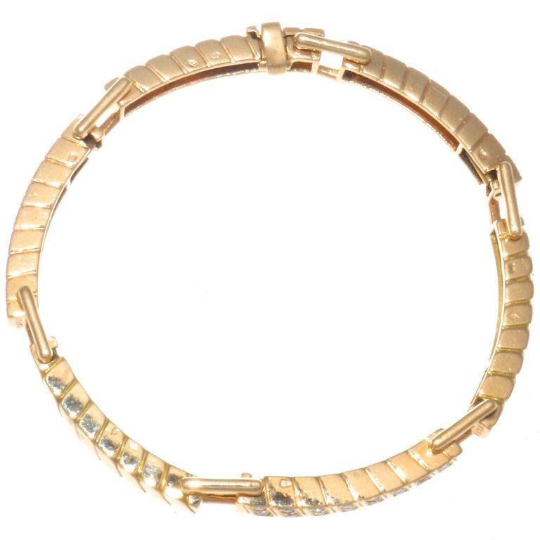 Contemporary Van Cleef & Arpels France 18 Karat Diamond Gold Bracelet For Sale