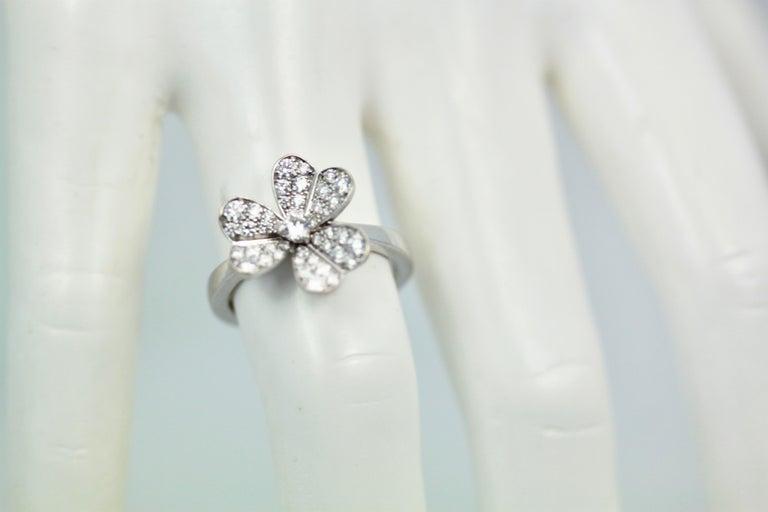 Modern Van Cleef & Arpels Frivole Diamond Ring For Sale