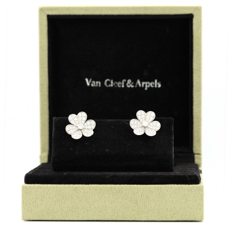 Women's or Men's Van Cleef & Arpels Frivole Earrings with White Diamonds and 18 Karat White Gold For Sale