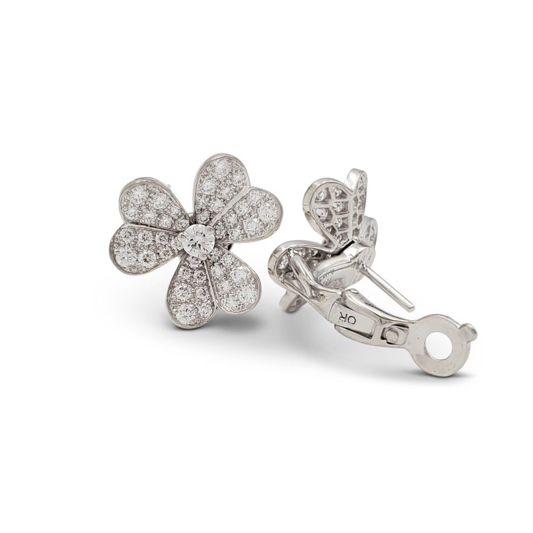 Van Cleef & Arpels 'Frivole' White Gold and Diamond Earrings, Small Model In Excellent Condition For Sale In New York, NY
