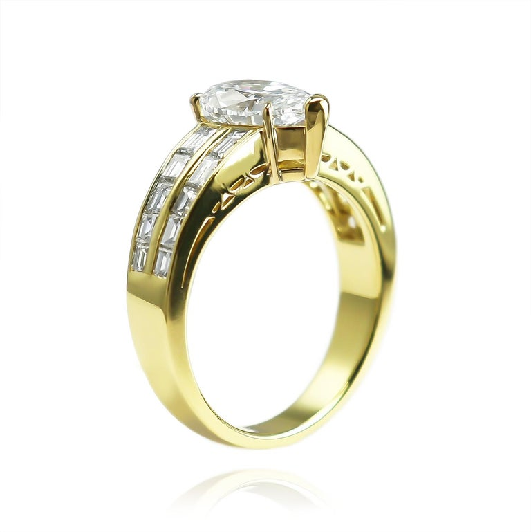 Contemporary Van Cleef & Arpels GIA Certified 2.00 Carat E VS1 Pear Brilliant Diamond Ring For Sale