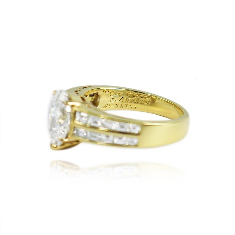 Pear Cut Van Cleef & Arpels GIA Certified 2.00 Carat E VS1 Pear Brilliant Diamond Ring For Sale