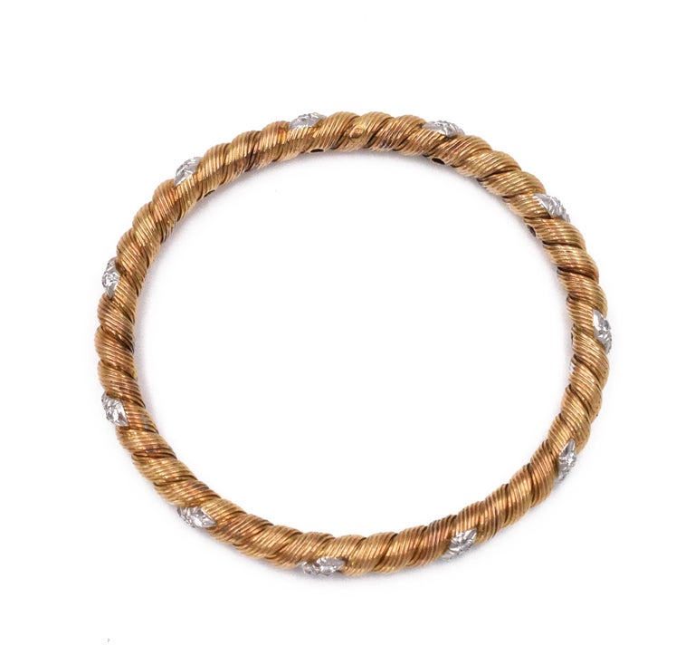 Round Cut Van Cleef & Arpels Gold and Diamond Bangles For Sale