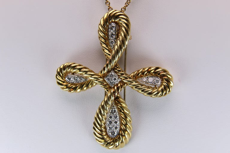 Van Cleef & Arpels Gold and Diamond Cross In Good Condition For Sale In Dallas, TX
