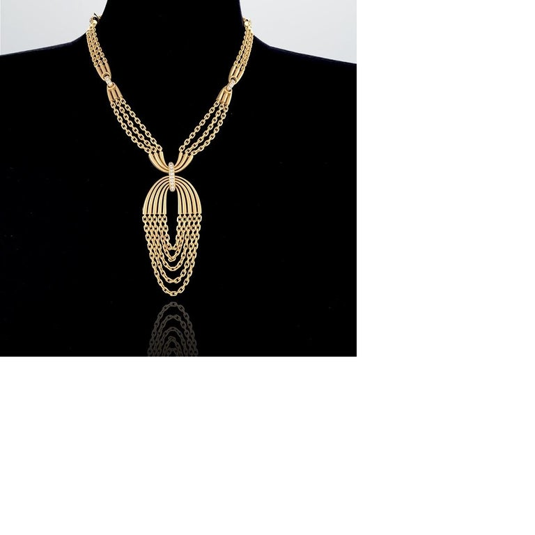 Van Cleef & Arpels Gold and Diamond Pendant Necklace In Excellent Condition For Sale In New York, NY