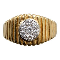 Van Cleef & Arpels Gold and Diamond Ring