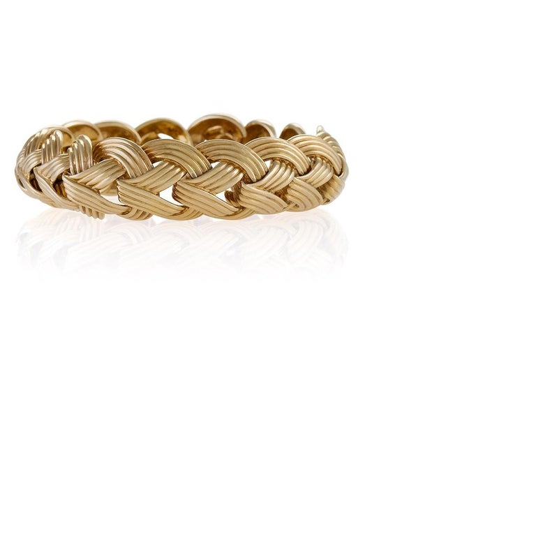 Van Cleef & Arpels Gold Bracelet In Excellent Condition For Sale In New York, NY