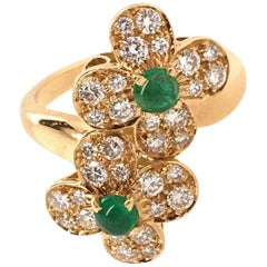 Van Cleef & Arpels Gold, Diamond and Emerald Trefle Flower Ring