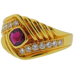 Van Cleef & Arpels Gold Diamond Ruby Ring