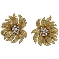 Van Cleef & Arpels Gold Earclips