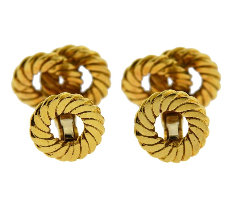 Van Cleef & Arpels Gold Interlocked Cufflinks In Excellent Condition For Sale In Boca Raton, FL