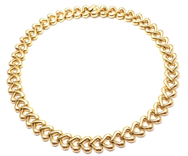 Van Cleef & Arpels Heart Link Choker Yellow Gold Necklace For Sale 3