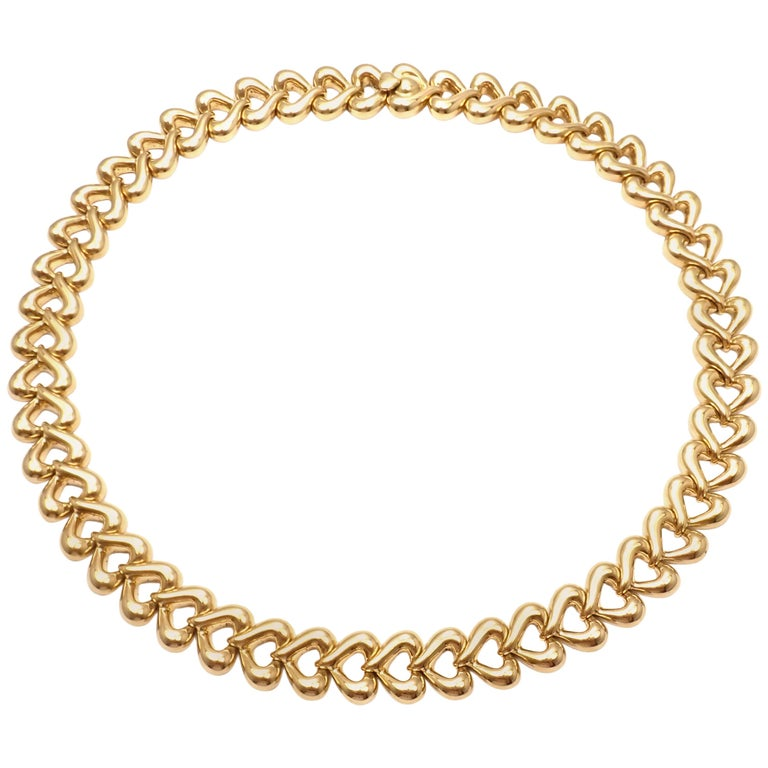 Van Cleef & Arpels Heart Link Choker Yellow Gold Necklace For Sale