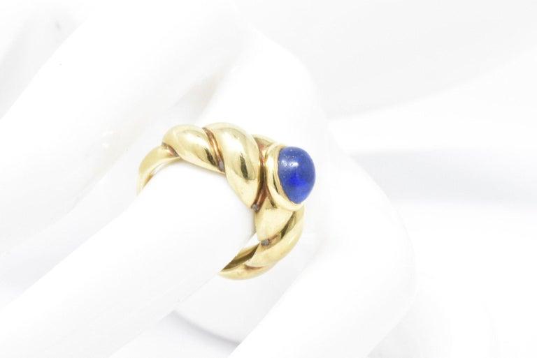 Van Cleef & Arpels Lapis Cabochon 18 Karat Gold Twisted Band Ring For Sale 7