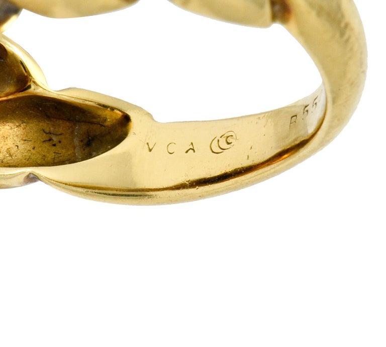 Van Cleef & Arpels Lapis Cabochon 18 Karat Gold Twisted Band Ring For Sale 2