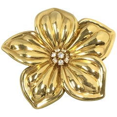 Van Cleef & Arpels Large Yellow Gold and Diamond Magnolia Flower Brooch Pin
