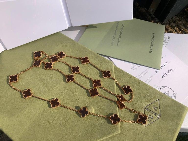 Van Cleef & Arpels Letterwood Gold Vintage Alhambra 20 Motif Necklace In Excellent Condition In Banbury, GB