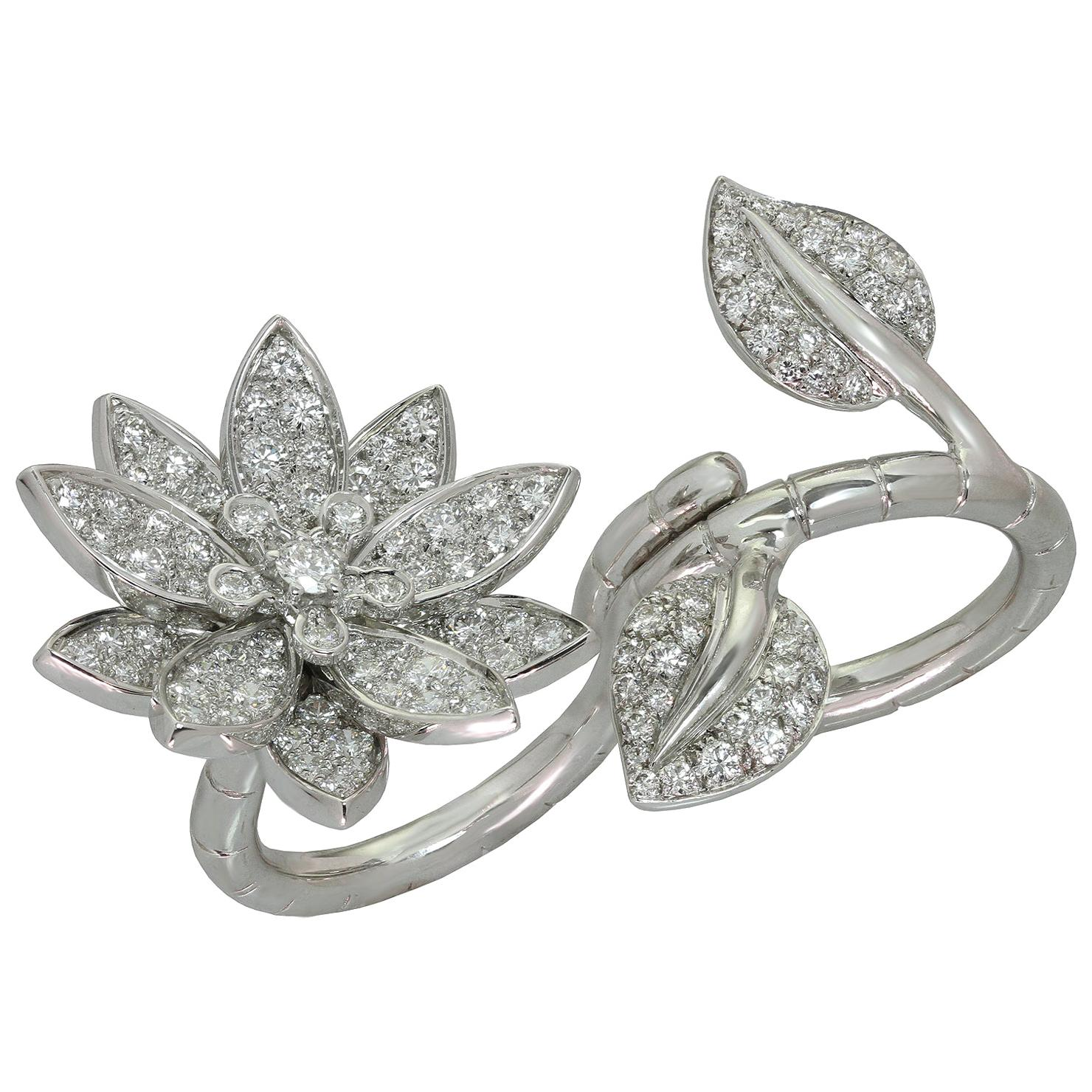 Van Cleef & Arpels Lotus Between the Finger Diamond White Gold Ring