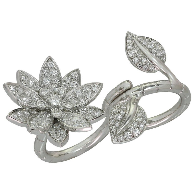Van Cleef & Arpels Lotus Between the Finger Diamond White Gold Ring For Sale
