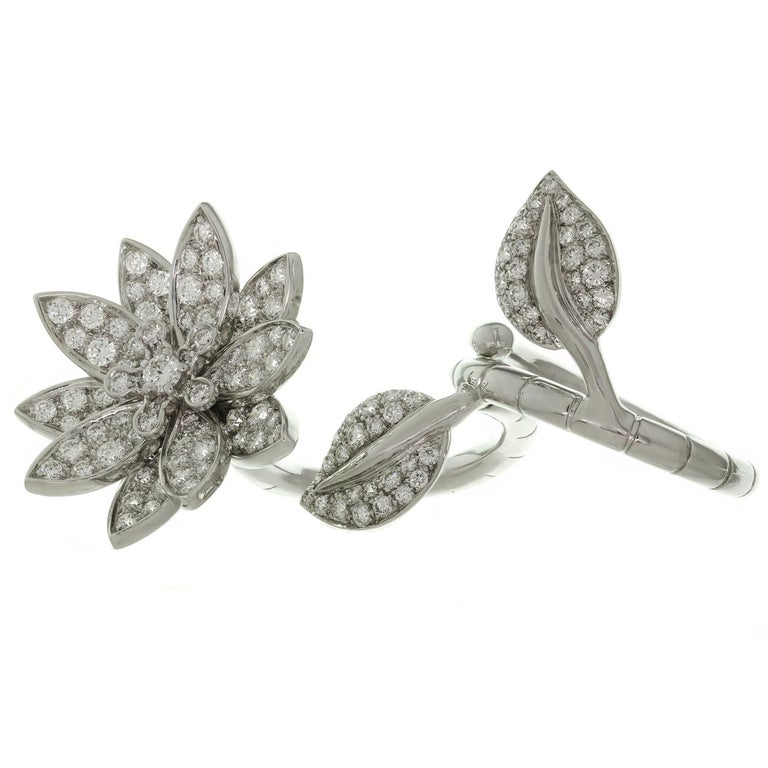 Van Cleef & Arpels Lotus Between the Finger Diamond White Gold Ring In Excellent Condition For Sale In New York, NY