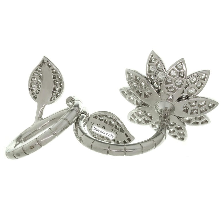 Van Cleef & Arpels Lotus Between the Finger Diamond White Gold Ring For Sale 1