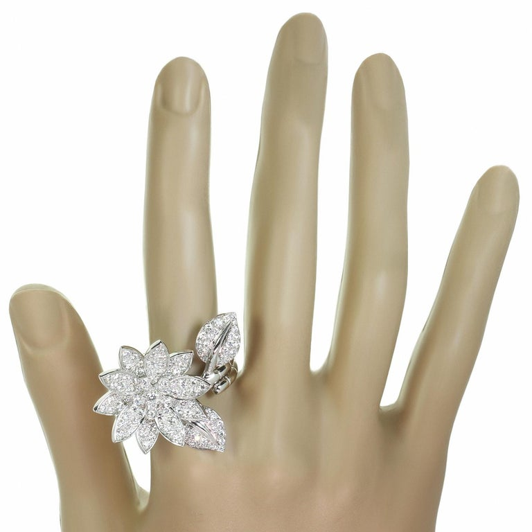 Van Cleef & Arpels Lotus Between the Finger Diamond White Gold Ring For Sale 4