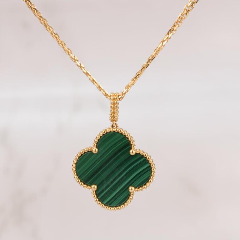 Uncut Van Cleef & Arpels Magic Alhambra Malachite Yellow Gold Pendant Long Necklace For Sale
