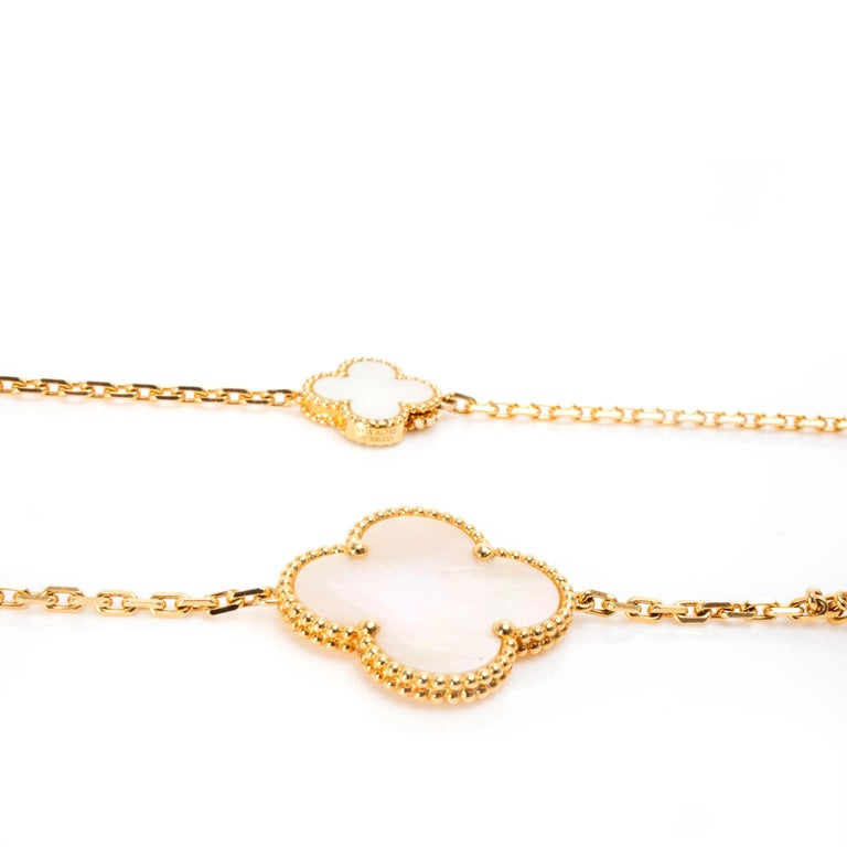 Women's Van Cleef & Arpels Magic Alhambra Mother of Pearl Necklace in 18K Yellow Gold For Sale