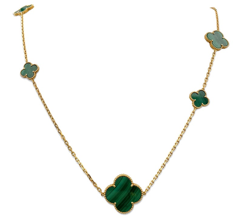 Van Cleef & Arpels 'Magic Alhambra' Yellow Gold and Malachite 16-Motif Necklace In Excellent Condition For Sale In New York, NY