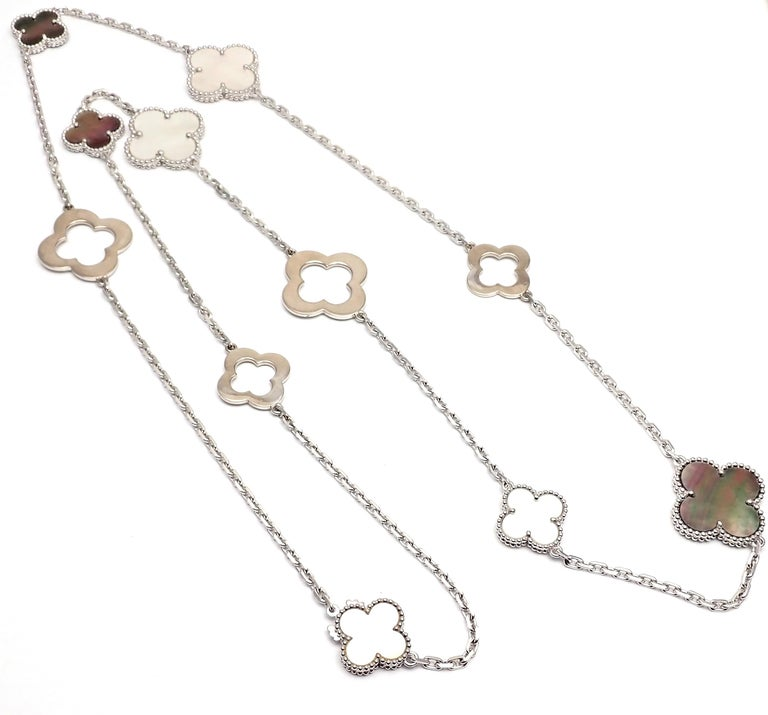 Round Cut Van Cleef & Arpels Magic White and Grey Mother of Pearl White Gold Necklace For Sale