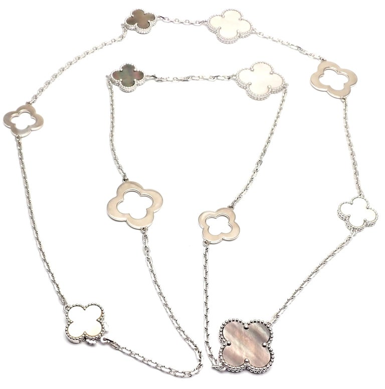 Van Cleef & Arpels Magic White and Grey Mother of Pearl White Gold Necklace In Excellent Condition For Sale In Holland, PA