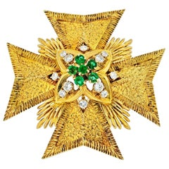 Van Cleef & Arpels Maltese Cross 18 Karat Gold Diamond and Emerald Pendant and