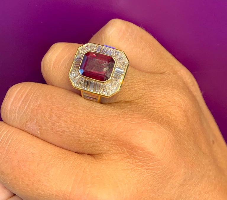Van Cleef & Arpels Men's Ruby and Diamond Ring In Excellent Condition For Sale In New York, NY