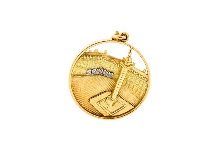Van Cleef & Arpels Midcentury 18 Karat Gold Place Vendome Charm or Pendant For Sale 3