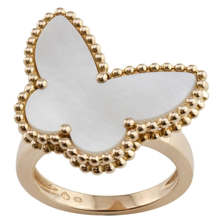 Van Cleef & Arpels Mother of Pearl Butterfly 18 Karat Gold Ring For Sale