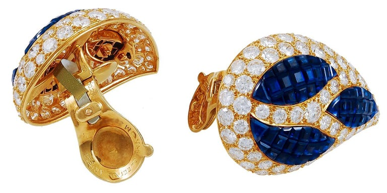 Round Cut Van Cleef & Arpels Mystery-Set Sapphire, Diamond Bangle and Ear Clips For Sale