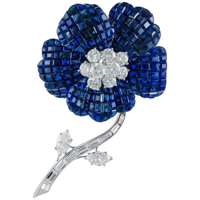 Van Cleef & Arpels Mystery-Set Sapphire Diamond Brooch For Sale