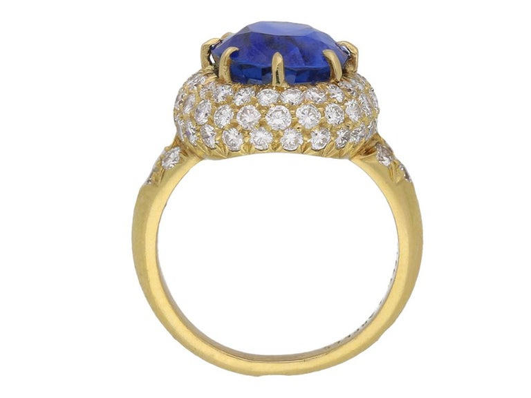 Women's Van Cleef & Arpels Natural Burmese Sapphire and Diamond Ring For Sale