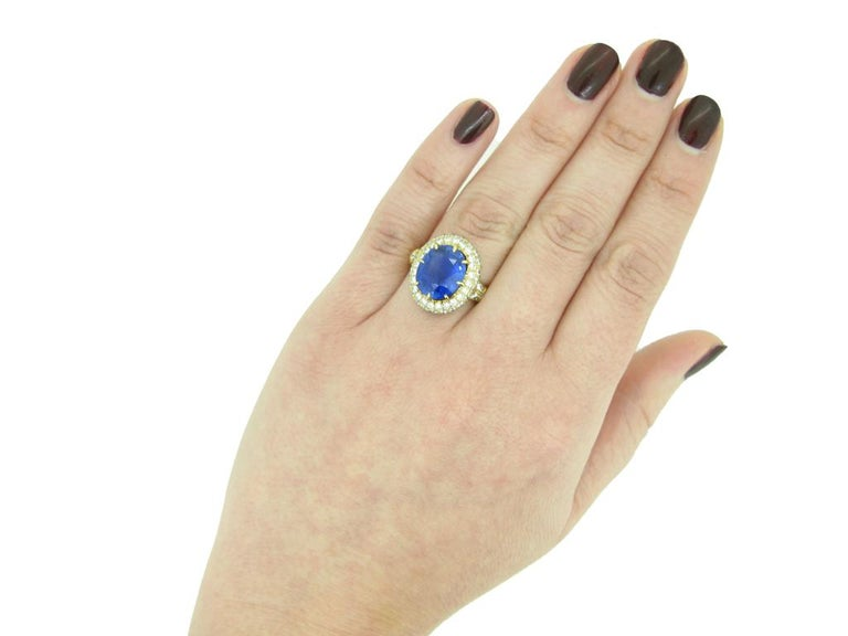 Van Cleef & Arpels Natural Burmese Sapphire and Diamond Ring For Sale 2