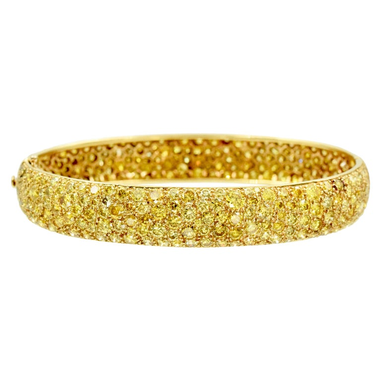 Van Cleef & Arpels Natural Fancy Yellow Diamond Bangle Bracelet, French For Sale