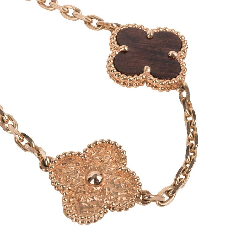 Van Cleef & Arpels Necklace Alhambra Collection 18 Karat Gold Bois D'Amourette In Excellent Condition For Sale In Miami, FL