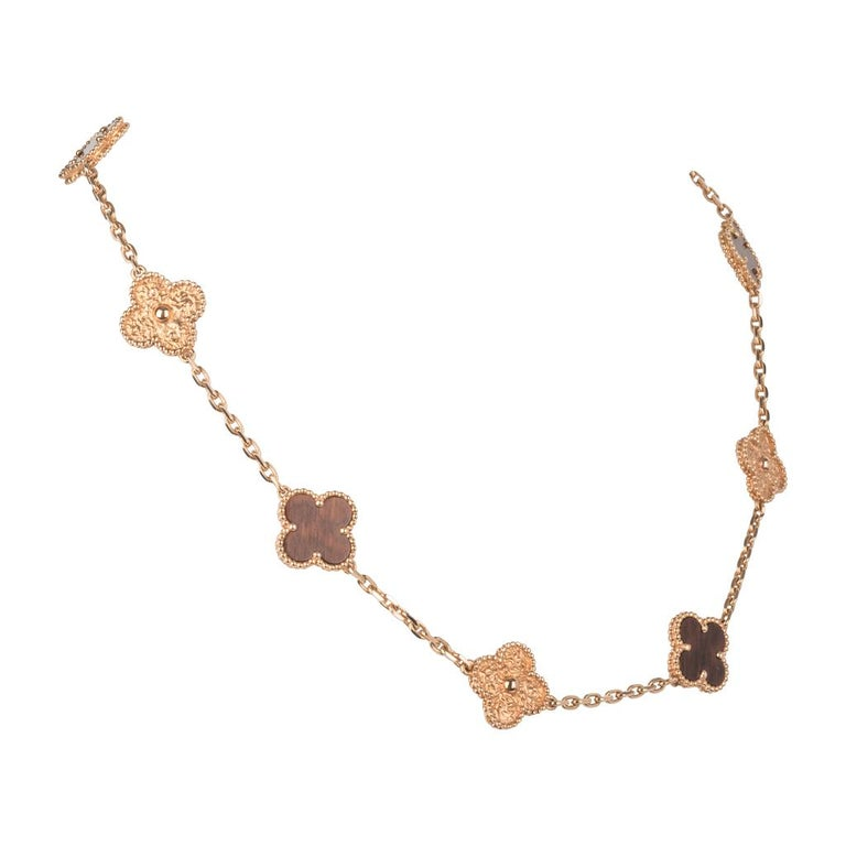 Van Cleef & Arpels Vintage Alhambra Bois D'Amourette Rose Gold Necklace In Excellent Condition For Sale In Miami, FL