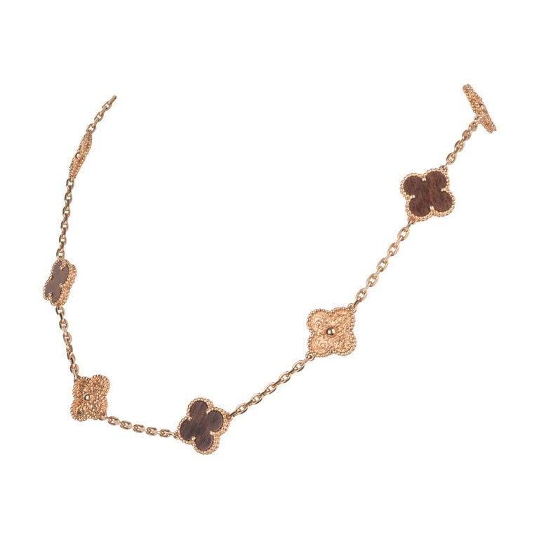 Van Cleef & Arpels Vintage Alhambra Bois D'Amourette Rose Gold Necklace For Sale 1
