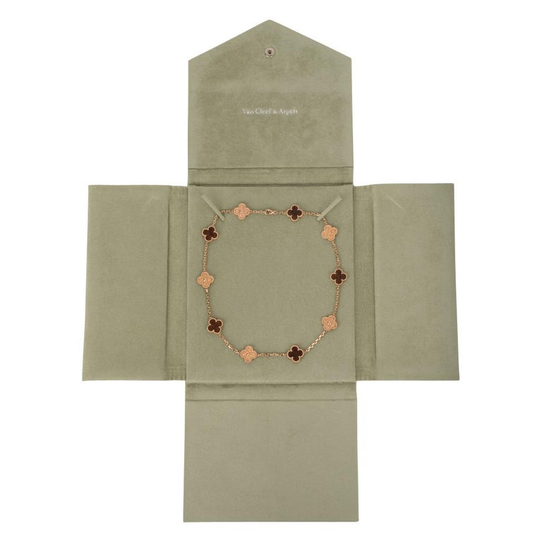 Van Cleef & Arpels Vintage Alhambra Bois D'Amourette Rose Gold Necklace For Sale 3