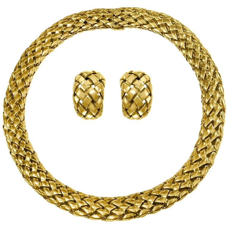 Van Cleef & Arpels Necklace and Earrings Bridal Suite 128 Grams 18k Gold, Estate For Sale