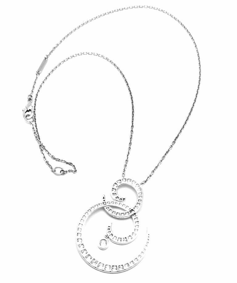 Van Cleef & Arpels Oiseaux De Paradis White Gold Diamond Pendant Necklace For Sale 2