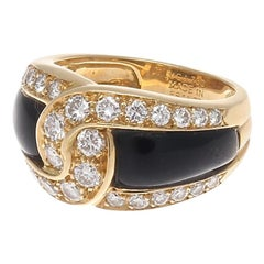 Van Cleef & Arpels Onyx Diamond Gold Ring