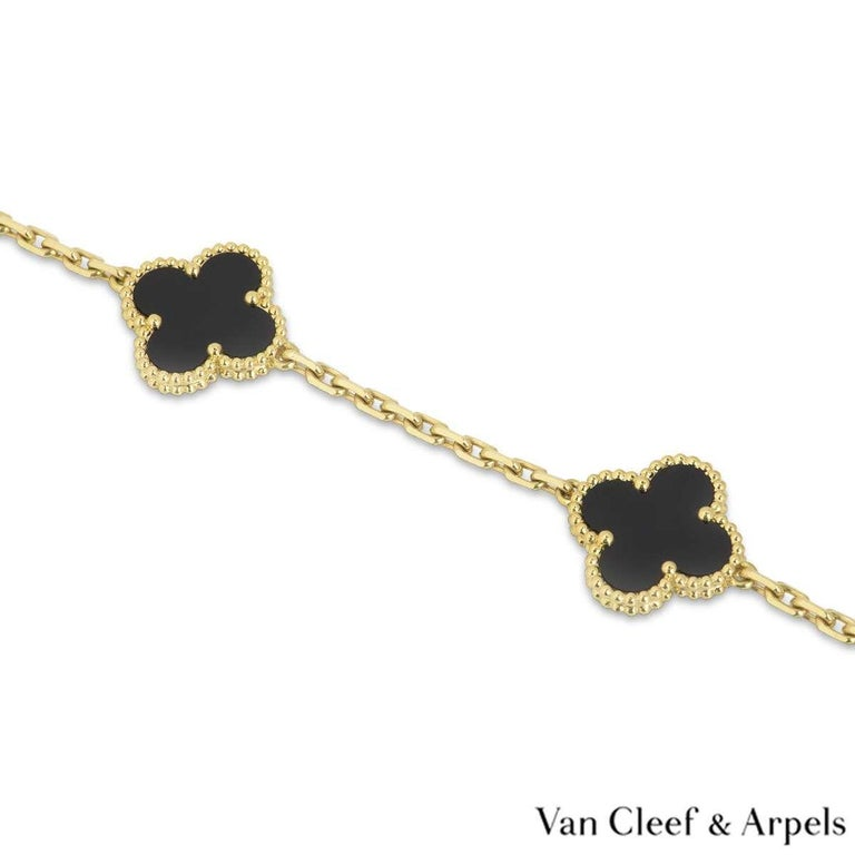 Van Cleef & Arpels Onyx Vintage Alhambra Necklace VCARA43100 In Excellent Condition For Sale In London, GB