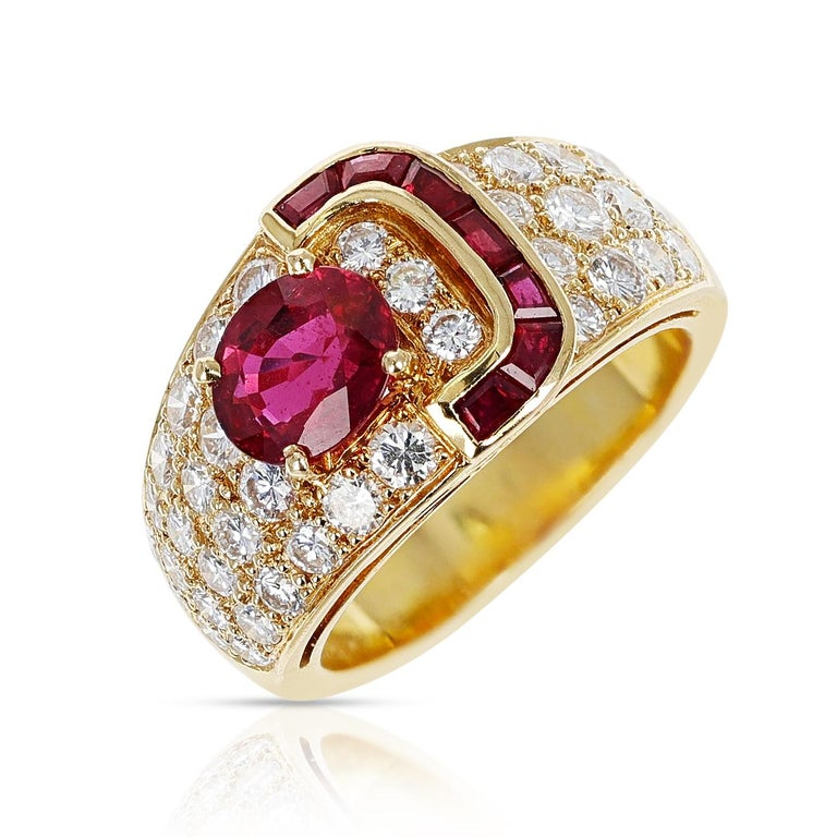 Van Cleef & Arpels Oval Ruby and Diamond Ring with Invisibly Set Rubies, 18k In Excellent Condition In New York, NY