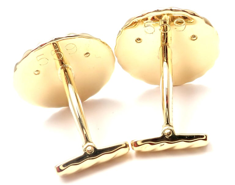 Women's or Men's Van Cleef & Arpels Panther Panthere Yellow Gold Cufflinks For Sale